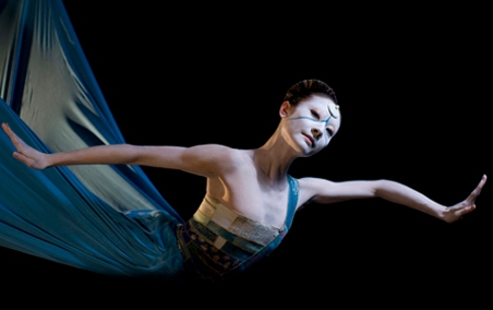 Yuan Yuan Tan in Neumeier's THE LITTLE MERMAID